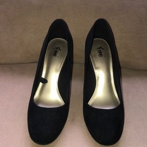 Almost like new chunky heel shoes